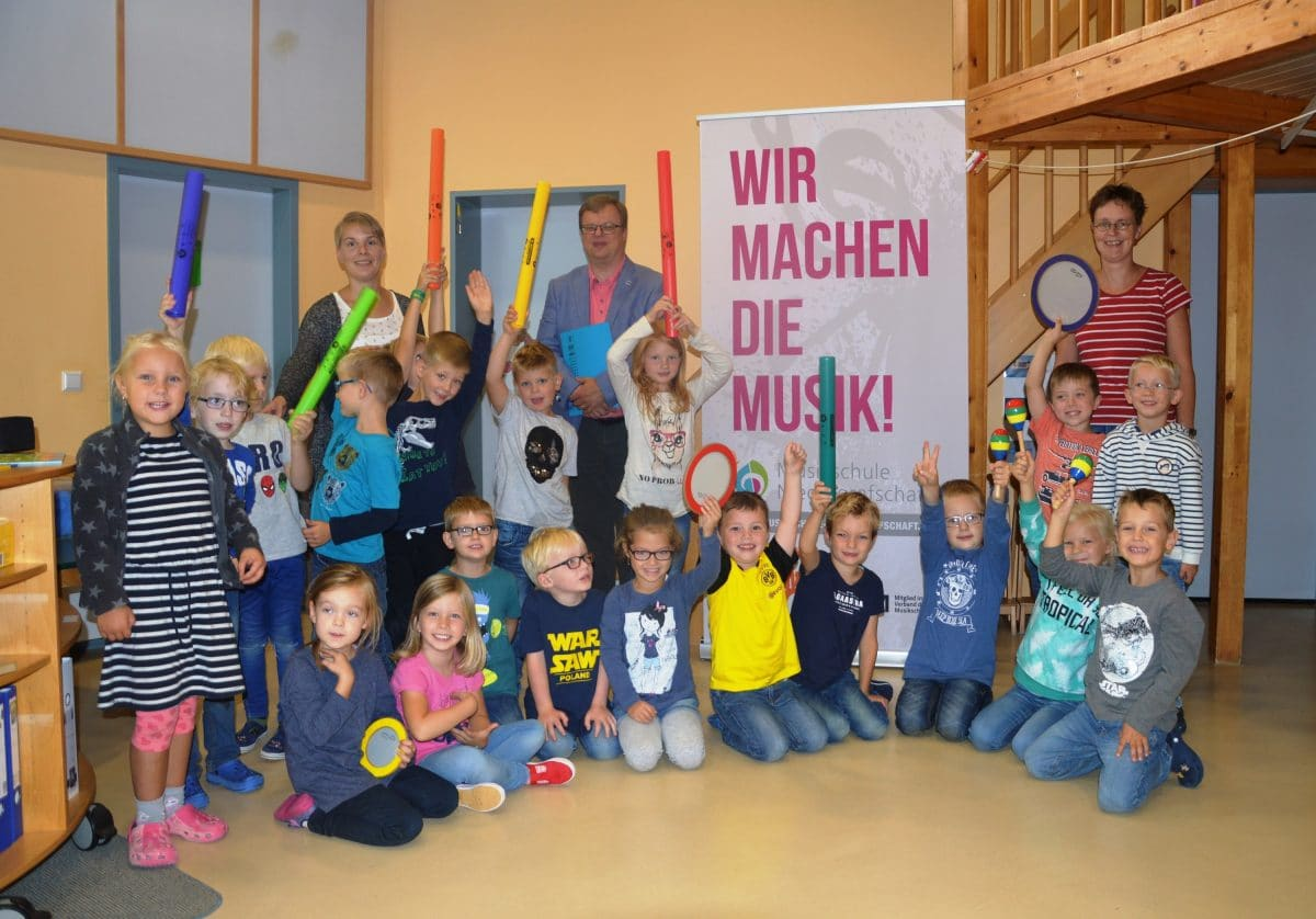 Neuer Kooperationsvertrag zwischen der Kita Osterwald und der Musikschule Niedergrafschaft_Foto: privat